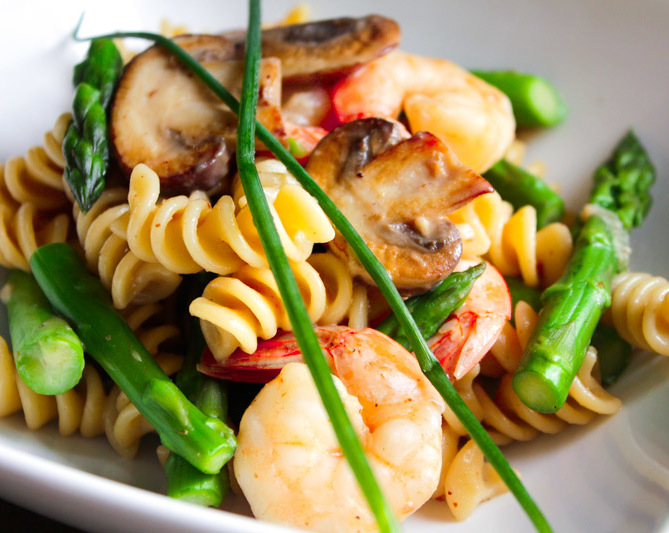 pasta with mushrooms and asparagus