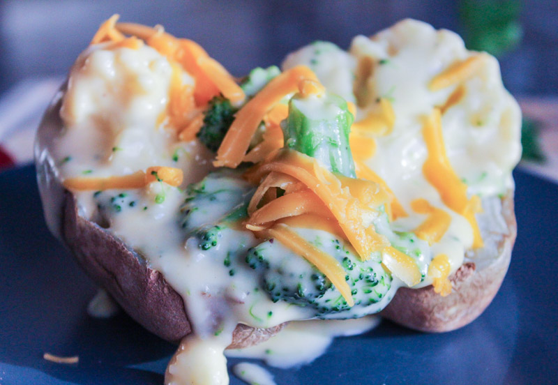 Baked Potatoes with a Cheesy Broccoli Sauce