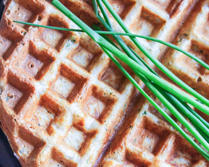 Savoury waffles with chives - featured