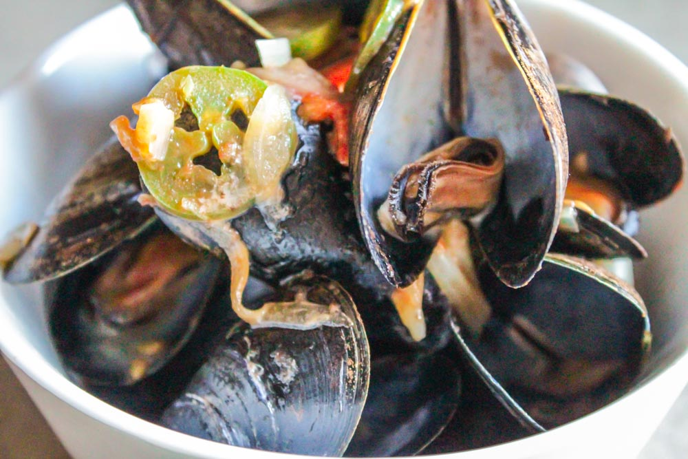 Mussels in a Tomato-Jalapeno Cream Sauce